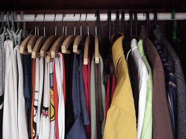 clothes-01-1463253-640x480