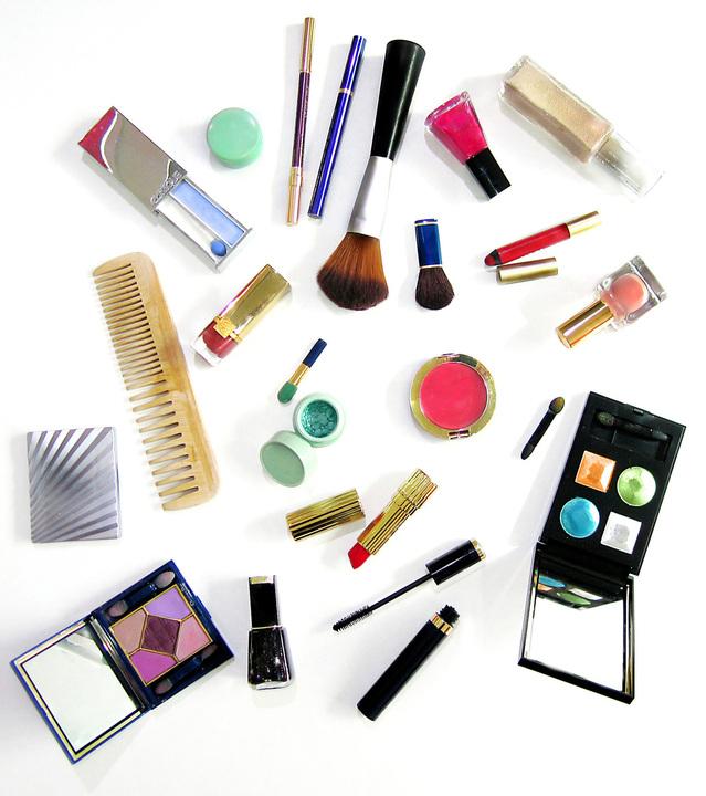 makeup-1195895-639x719