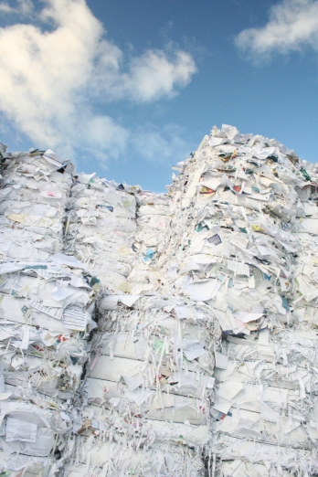 piles-of-paper-3-1175868-640x960